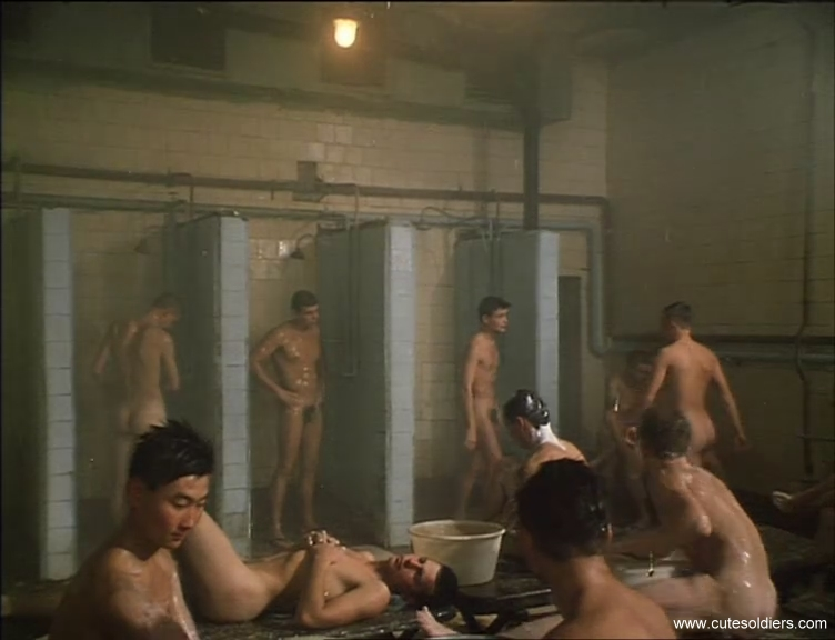 nude russina soldiers in showers